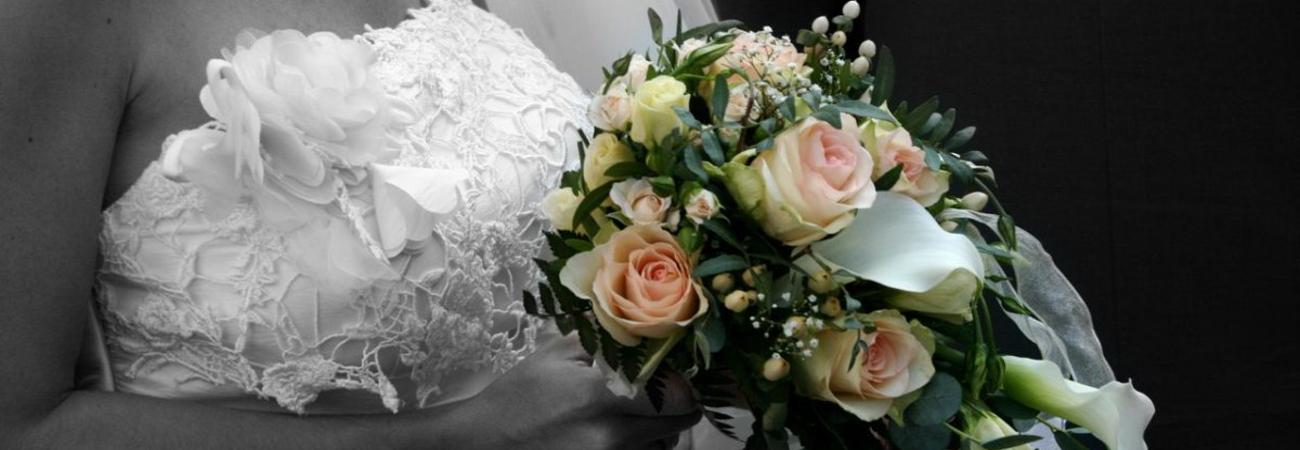 Blumen, Strauss, Brautstrauss, Braut, Ehe, Hochzeit, (piqs.de ID: 9012479854fd17352cde0f9c88c39bf2)